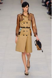 Burberry Fall 2013 - Catwalk