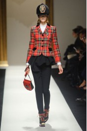 Moschino Fall 2013 - Catwalk