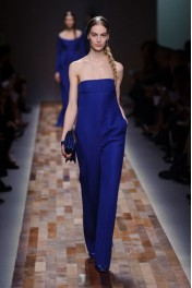 Valentino Fall 2013 - Catwalk