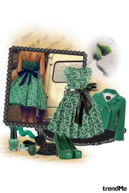 out in green- Fashion set