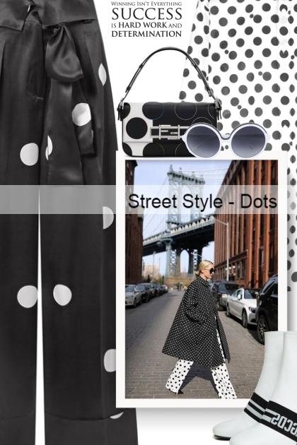 Street Style - Dots