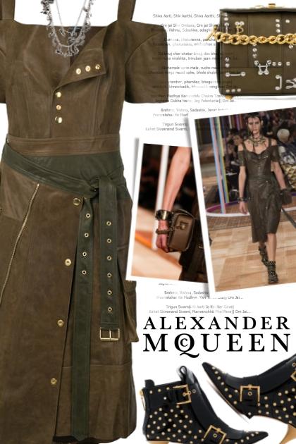Alexander McQueen S/S18 total look