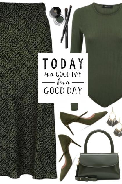 Green Print Skirt!
