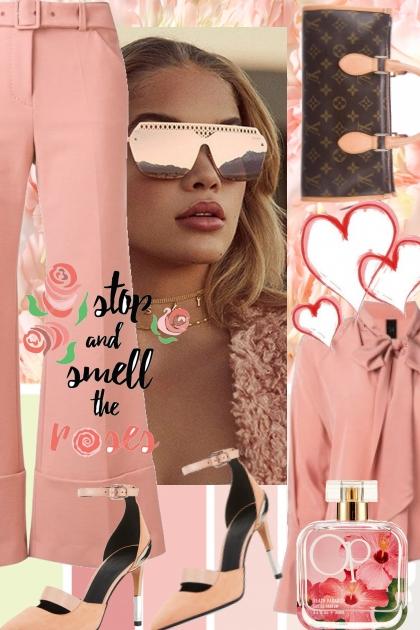 Rosa bukse og bluse