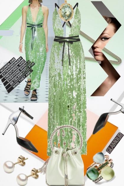 Lys grønn sid kjole