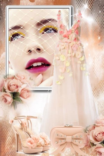 Ferskenfarget kjole med blomster- Fashion set
