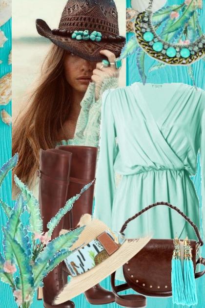 Lys turkis kjole med brunt tilbehør