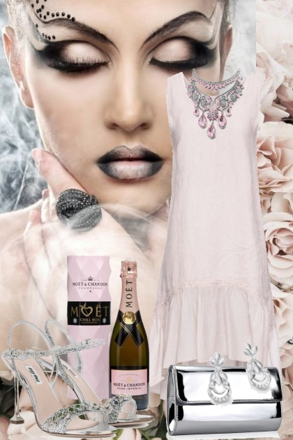 Lys lilla kjole med sølv tilbehør- 搭配