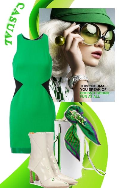 Grønn kjole med hvitt tilbehør- Combinaciónde moda