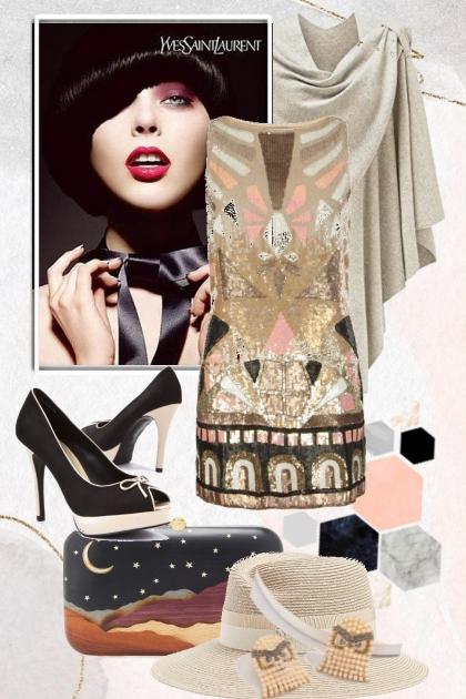 Mønstret kjole og grå cape