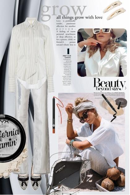 Hvit bukse og stripet skjorte
