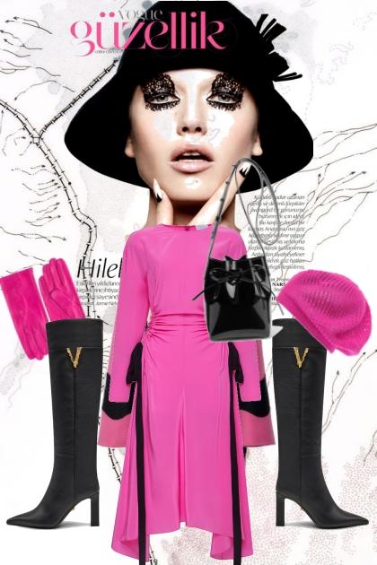Rosa kjole med sort og rosa cape
