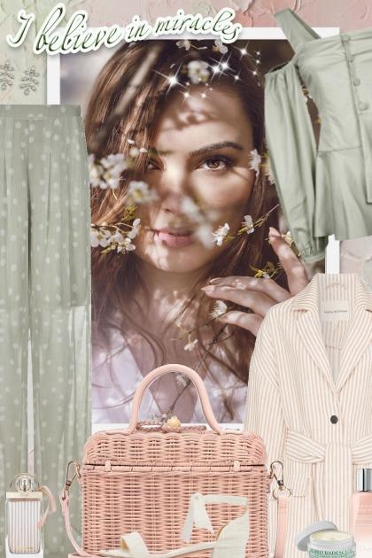 #906- Combinazione di moda