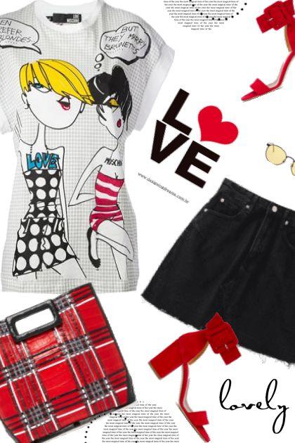 Moshino T-Shirt- combinação de moda