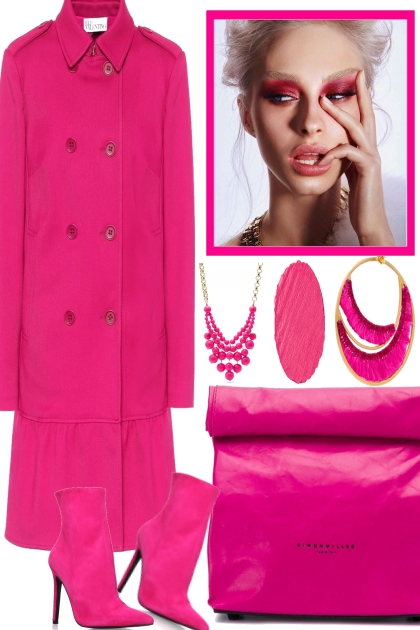 SHE´S IN LOVE WITH HER NEW, PINK WINTER COAT