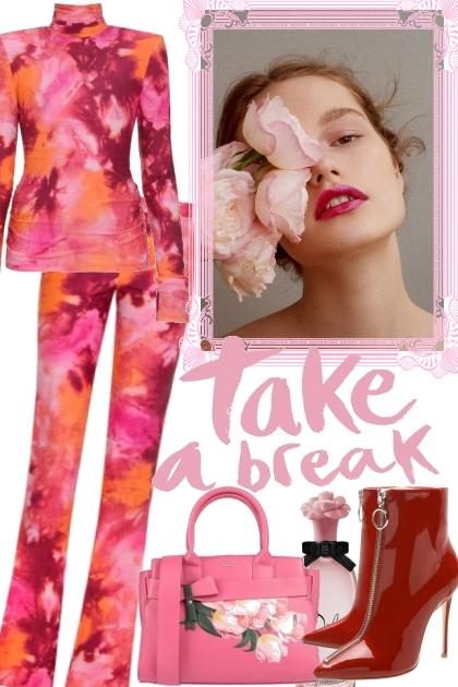 TAKE A BREAK- Fashion set