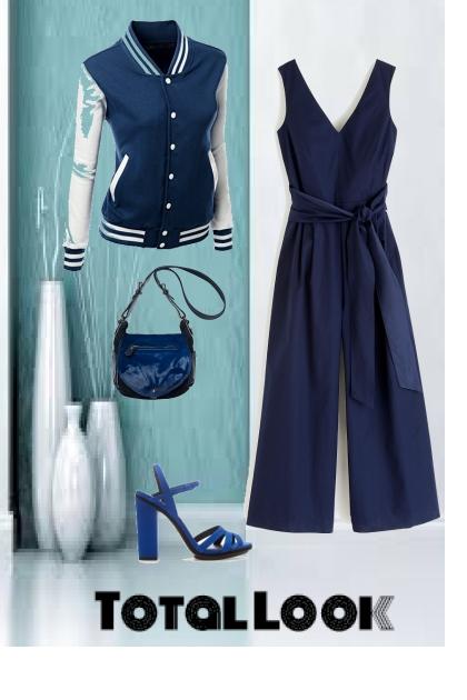 Blue total look