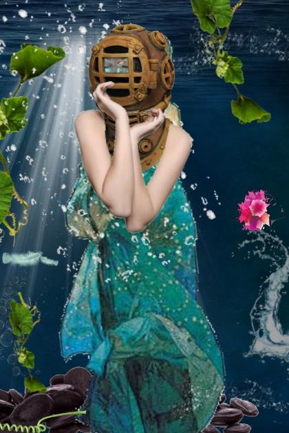 masked under water