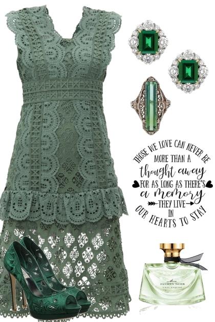 GREEN EYELET