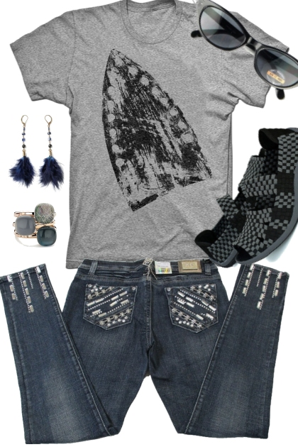 TEE, SNEAKS AND JEANS- Fashion set