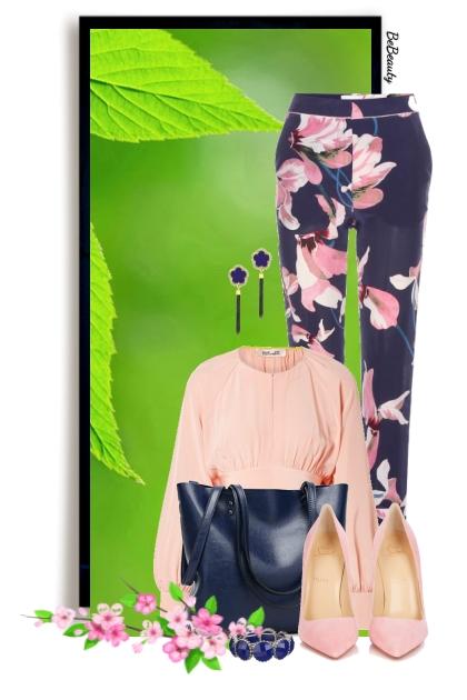 nr 3289 - Floral pants