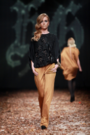 Hippy Garden Dramatic Elegance - Catwalk