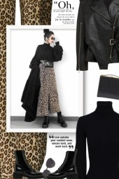 Leopard print cropped pants