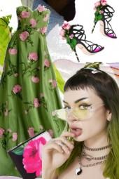 Grønn kjole med rosa blomster