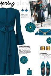 How to wear a Tie Waist Keyhole Midi Dress!