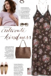How to wear a Floral Patterned Maxi Dress!
