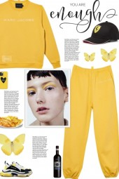 How to wear a Co-Ord Logo Print Activewear Set!