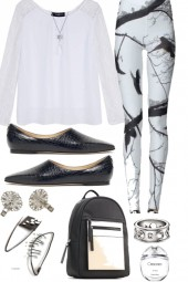 LOOSE TOP WITH TIGHTS AND FLATS FOR SPRING