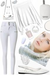 WHITE JEANS, WHITE FLATS