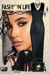 nr 2071 - Lady in black