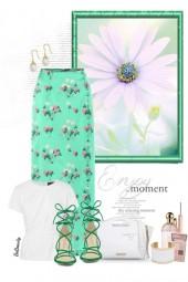 nr 3043 - Floral maxi skirt