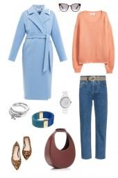 База с голубым пальто.