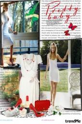 Lijepa djevojka u bijeloj haljini