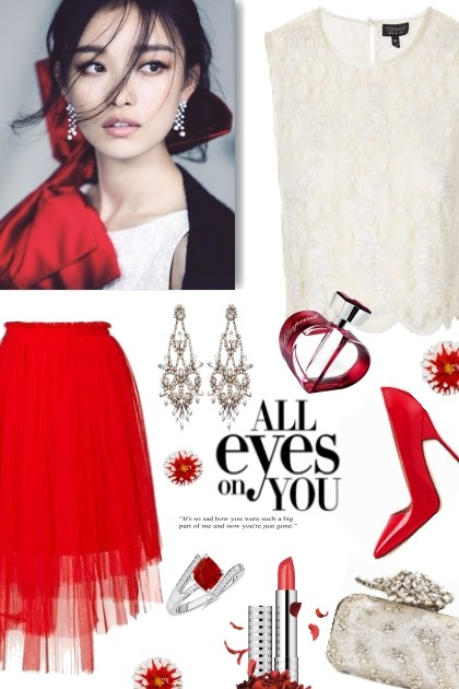All eyes on you- Fashion set