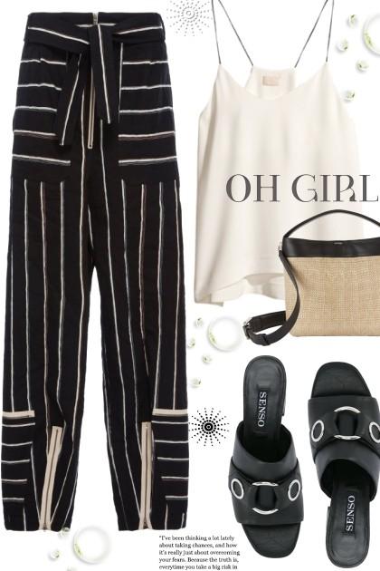 Black striped pants- Combinazione di moda