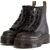 024 - Boots -