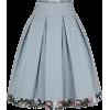 Falda. - Skirts -