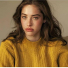 Yellow pullover - Persone -