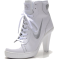 Georgere - Nike Dunk SB Mid Heels White/S - Classic shoes & Pumps -