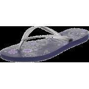Havaianas Women's Slim Season Flip Flop - 休闲凉鞋 - $23.40  ~ ¥156.79
