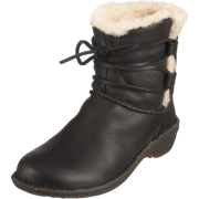 Ugg Australia Women Caspia Surf-Inspired Boots Black - Boots - $129.00