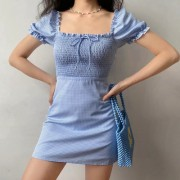 Blue and white plaid bubble sleeve square neck pleated short-sleeved dress - Kleider - $42.99  ~ 36.92€