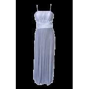 V haljina 15 - Vestidos - 1.023,00kn  ~ 138.31€