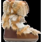 Dsquared2 Snow Boots - Uncategorized - $700.00  ~ 601.22€