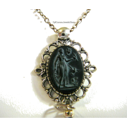 Goddess of Athena Bird Pendant Necklace - Colares - $24.75  ~ 21.26€