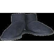 Standard Ultra Short - Boots -